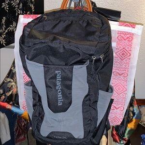 Patagonia Yerba 24L backpack black/gray